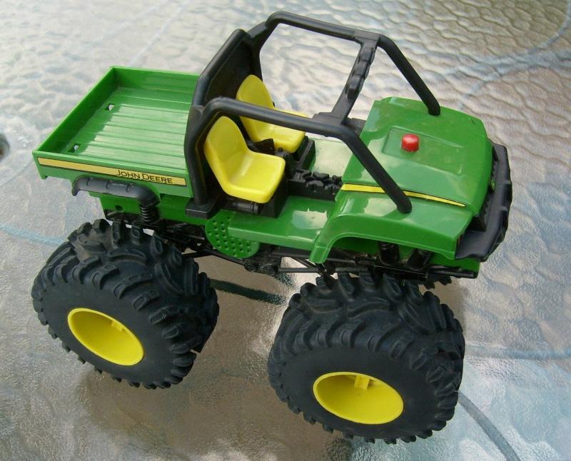 ERTL MONSTER TREAD GATOR 4x4 (ref 46249/...) T2ec1610
