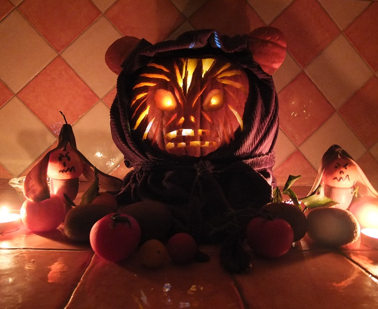 """1st Annual """" TIG STAR WARS PUMPKIN CARVING CONTEST """"  - **WINNING ENTRIES** - Page 6 04ad1011"""