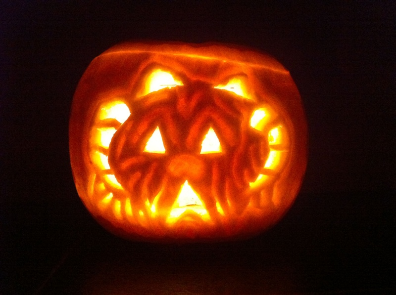 """1st Annual """" TIG STAR WARS PUMPKIN CARVING CONTEST """"  - **WINNING ENTRIES** - Page 6 0lyb0011"""