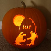 """1st Annual """" TIG STAR WARS PUMPKIN CARVING CONTEST """"  - **WINNING ENTRIES** 220px-10"""