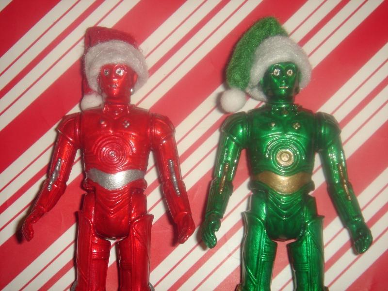 Santa hats for vintage figures - where? Dsc07517
