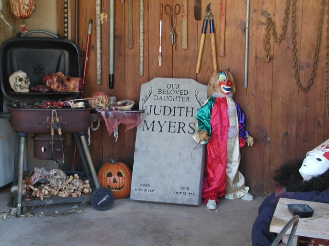 HALLOWEEN - The Chickenshack House of Horror Hallow16