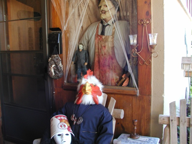 HALLOWEEN - The Chickenshack House of Horror Hallow19
