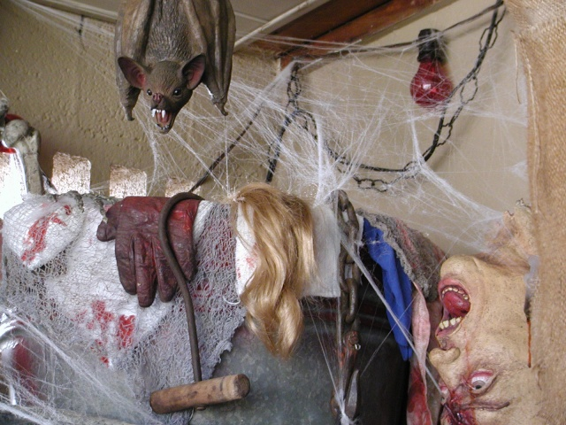 HALLOWEEN - The Chickenshack House of Horror Hallow27