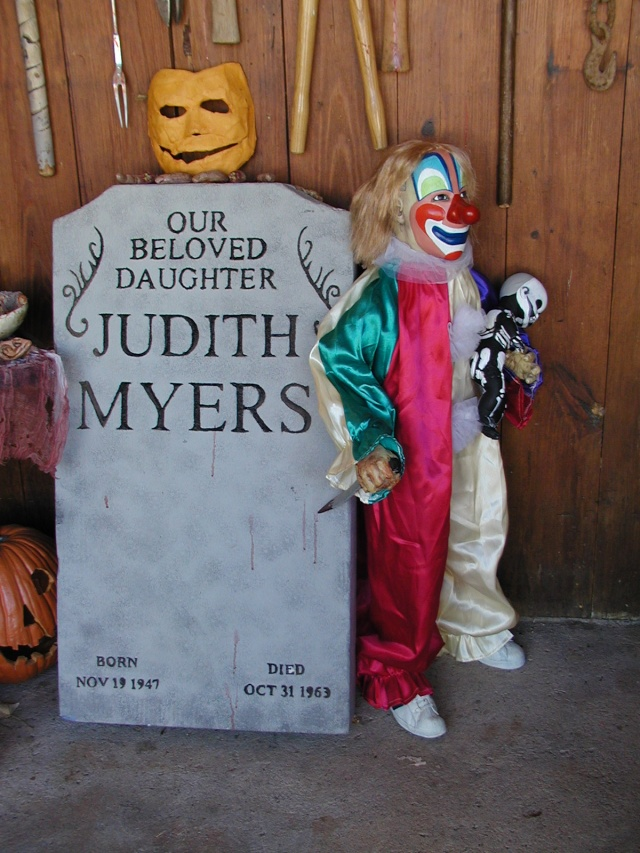 HALLOWEEN - The Chickenshack House of Horror - Page 2 Myers_10