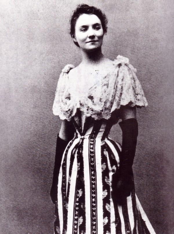 Yvette Guilbert Yvette10