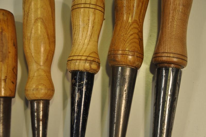 Tournage d'un manche de ciseau à bois munie d'une soie  ( turning a handle for a tang type chisel) 01511