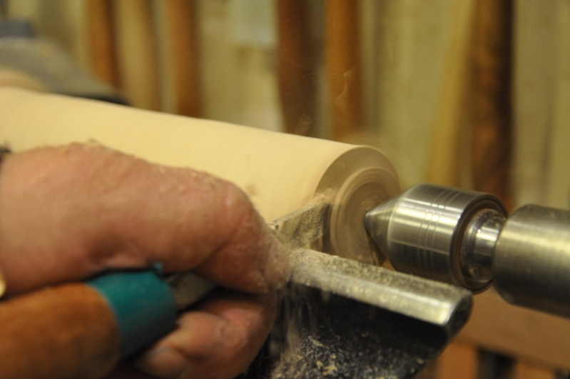 Tournage d'un manche de ciseau à bois munie d'une soie  ( turning a handle for a tang type chisel) 06010