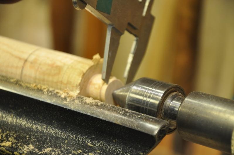 Tournage d'un manche de ciseau à bois munie d'une soie  ( turning a handle for a tang type chisel) 07110