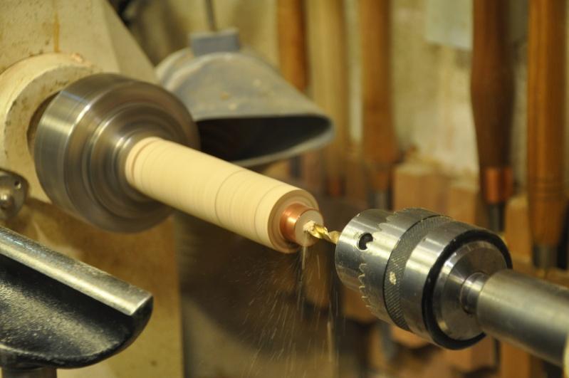 Tournage d'un manche de ciseau à bois munie d'une soie  ( turning a handle for a tang type chisel) 08310