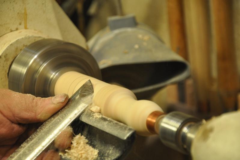 Tournage d'un manche de ciseau à bois munie d'une soie  ( turning a handle for a tang type chisel) 11110