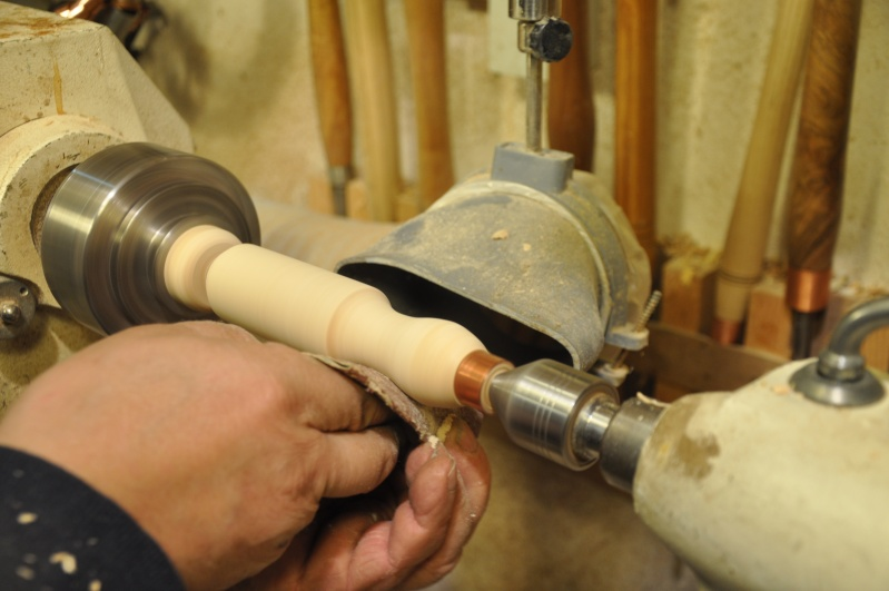 Tournage d'un manche de ciseau à bois munie d'une soie  ( turning a handle for a tang type chisel) 11911