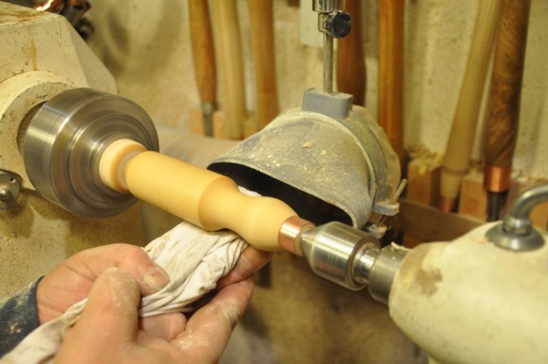 Tournage d'un manche de ciseau à bois munie d'une soie  ( turning a handle for a tang type chisel) 12910