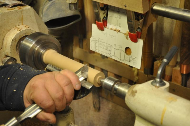 Tournage d'un manche modele londonien en buis. Making  a London pattern boxwood  chisel handle. London18