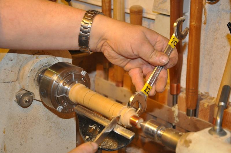 Tournage d'un manche modele londonien en buis. Making  a London pattern boxwood  chisel handle. London33