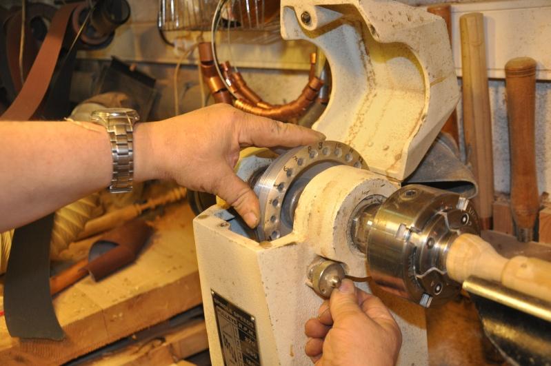 Tournage d'un manche modele londonien en buis. Making  a London pattern boxwood  chisel handle. London54