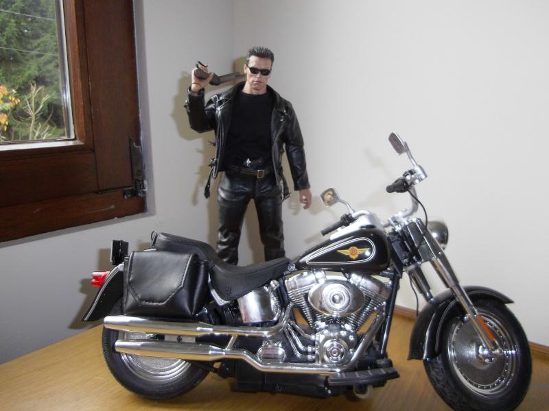 hot Toys Terminator 2 + custom harley fatboy broum broum brouuuuuum Imgp0610