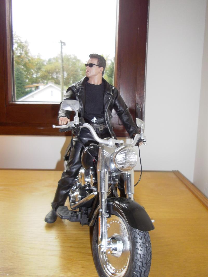 hot Toys Terminator 2 + custom harley fatboy broum broum brouuuuuum Imgp0615