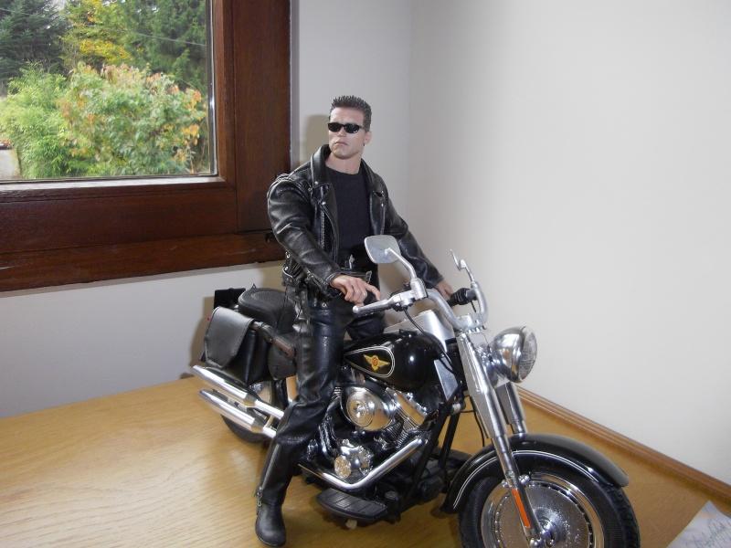 hot Toys Terminator 2 + custom harley fatboy broum broum brouuuuuum Imgp0616