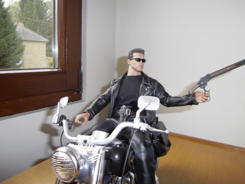 hot Toys Terminator 2 + custom harley fatboy broum broum brouuuuuum Imgp0617