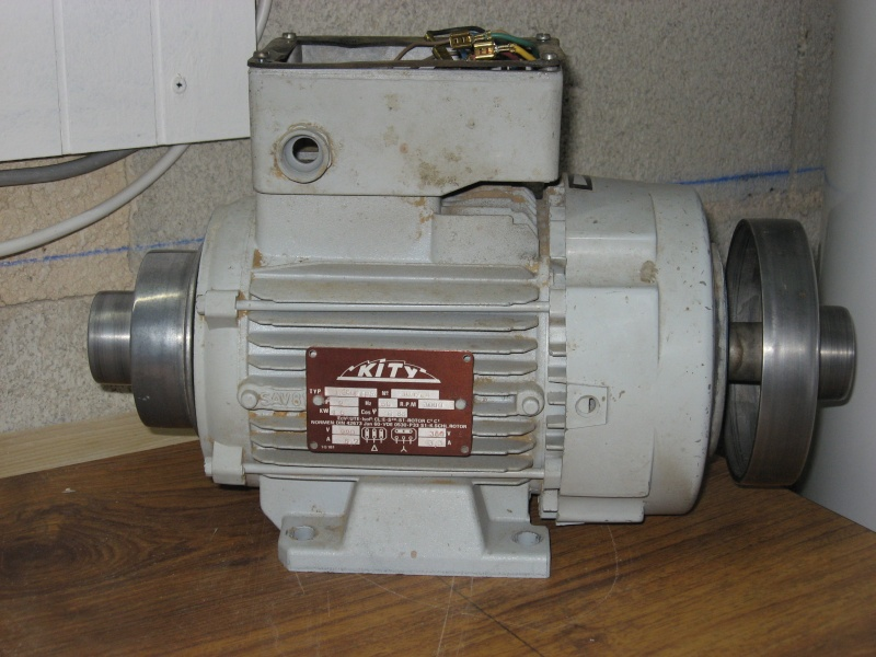 Passage moteur Kity TRI 400 en TRI 230 par Var de Fréquence Moteur11