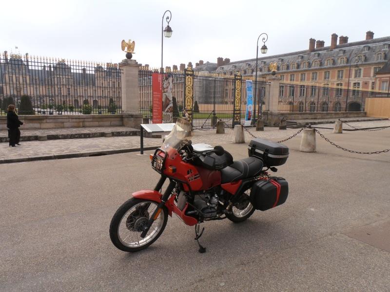 Photos de vous et de votre moto devant ....un château  - Page 2 P5160110