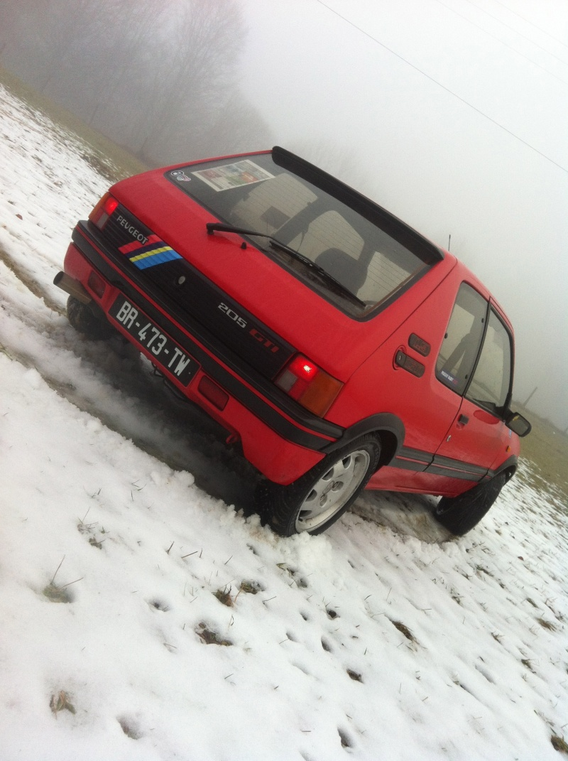 205 GTI 1L9 .... Titine ! - Page 6 Img_2273