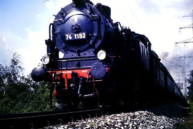 41 360 mit 74 1192 und RAG D08 auf der WbHE in Wanne 1986 1012