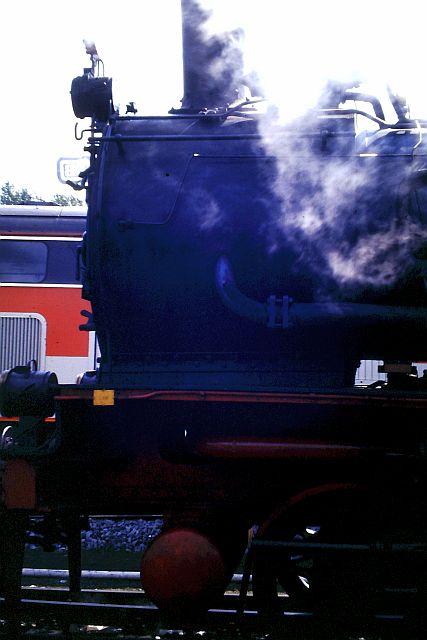 41 360 mit 74 1192 und RAG D08 auf der WbHE in Wanne 1986 1214