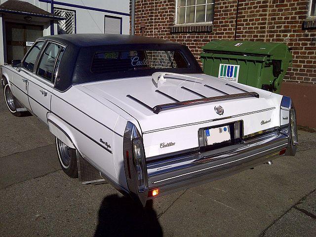 Cadillac Fleetwood Brougham - Zufallssichtung 354