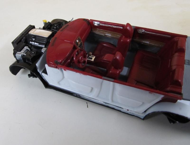 Chrysler 300 C (2005) von AMT in 1 zu 25 2005_c17