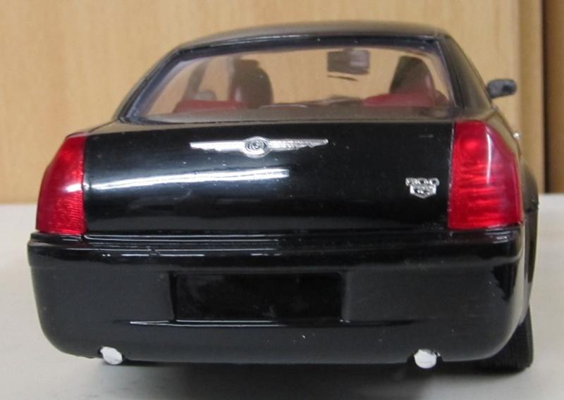 Chrysler 300 C (2005) von AMT in 1 zu 25 2005_c18