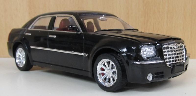 Chrysler 300 C (2005) von AMT in 1 zu 25 2005_c20