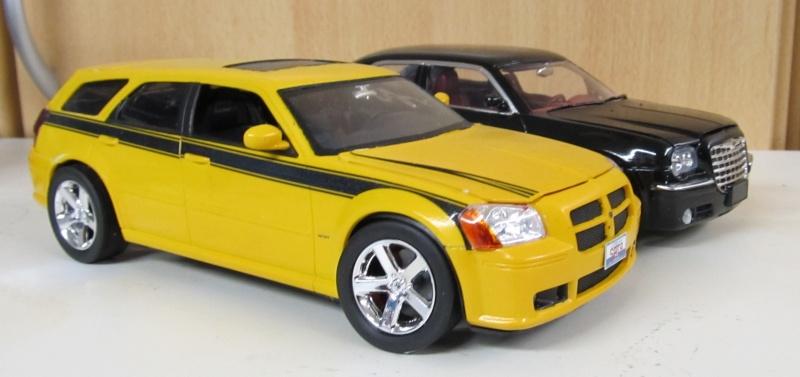 Chrysler 300 C (2005) von AMT in 1 zu 25 2005_c25