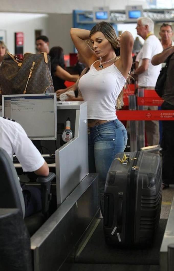 how to spot a TSA pat down Tsa_pa10