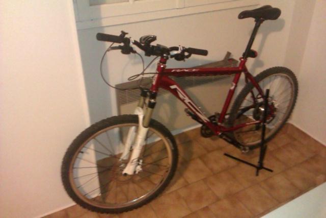 Le topic des bikes qui dorment bien au chaud dans le salon, votre chambre ... Imag0410