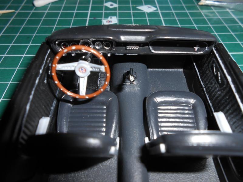 Shelby GT350H de marque Revell au 1/24e. Dscn1111