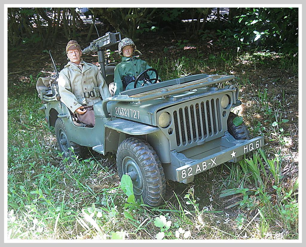 Major John Reisman and his chauffeur........ 004_op10