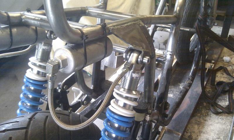 Suzuki gs1000r xr69 endurance replica - Page 5 Frame211