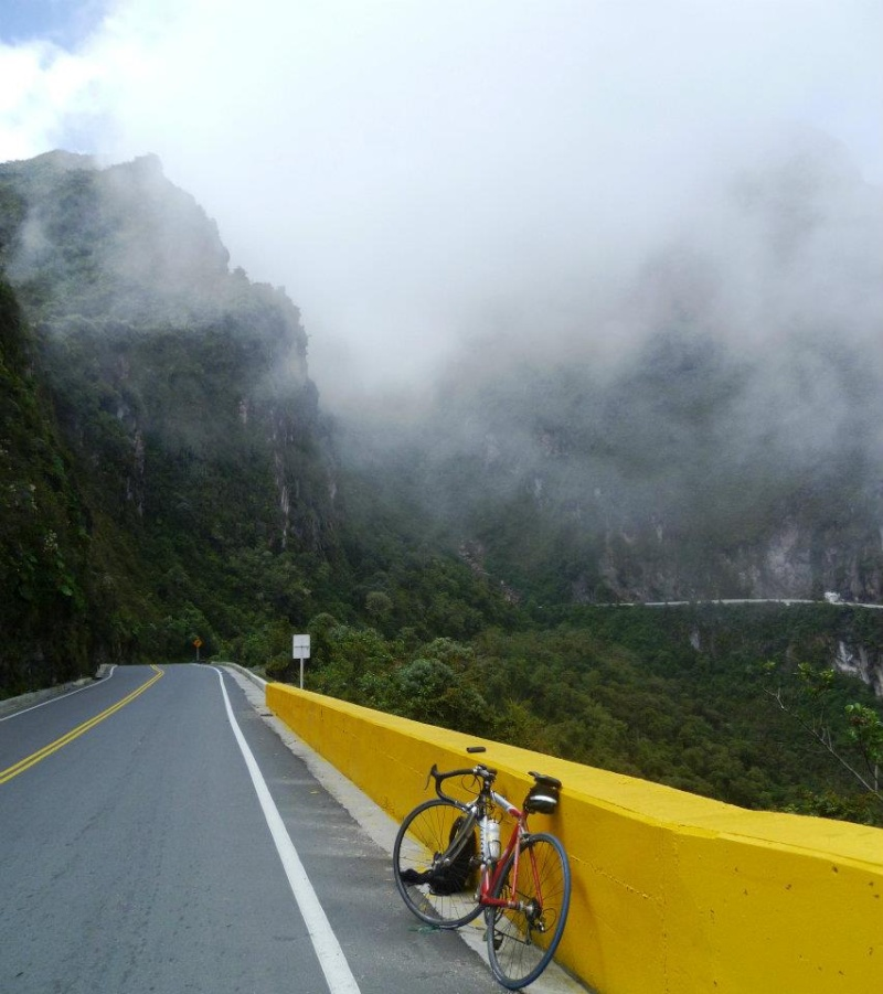 Mi pequeña Vuelta a Colombia.  14 etapas - 30 días - 1530km  Letras11