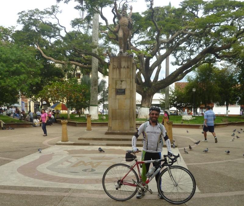 Mi pequeña Vuelta a Colombia.  14 etapas - 30 días - 1530km  P1010110