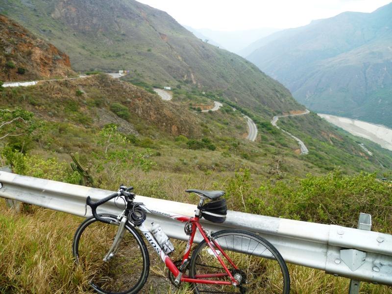 Mi pequeña Vuelta a Colombia.  14 etapas - 30 días - 1530km  P1010113