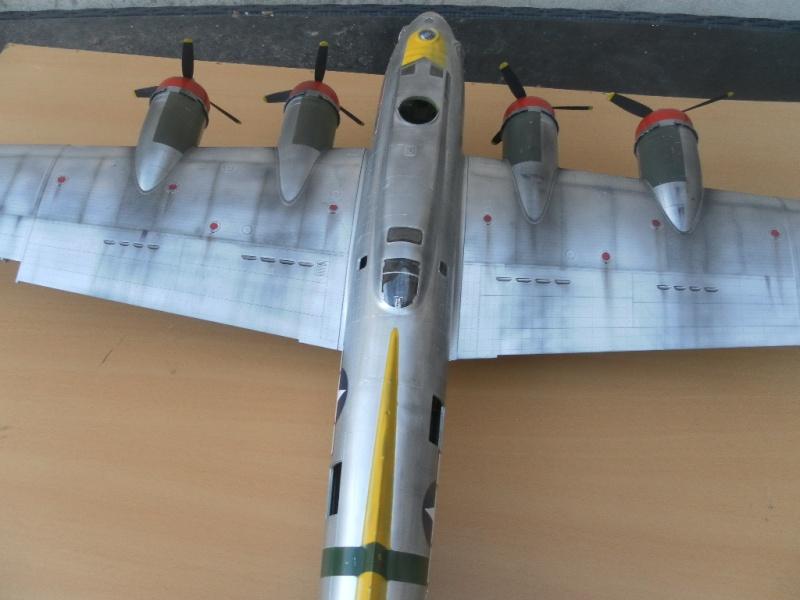 B 17G HK model 1/32° Sam_0510