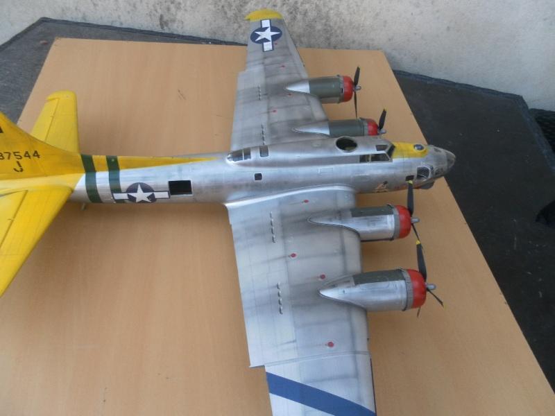 B 17G HK model 1/32° Sam_0511