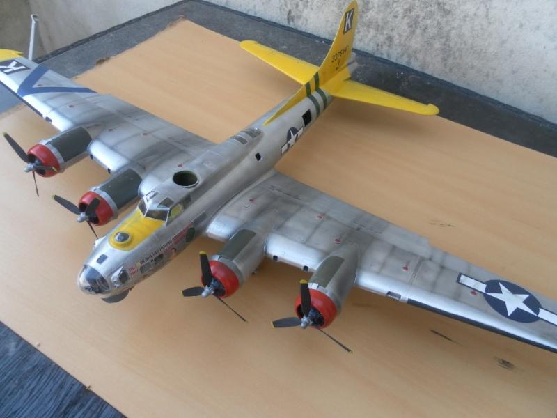 B 17G HK model 1/32° Sam_0512