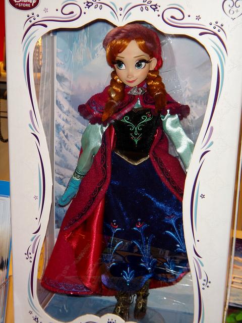 Disney Store Poupées Limited Edition 17'' (depuis 2009) - Page 39 11876310