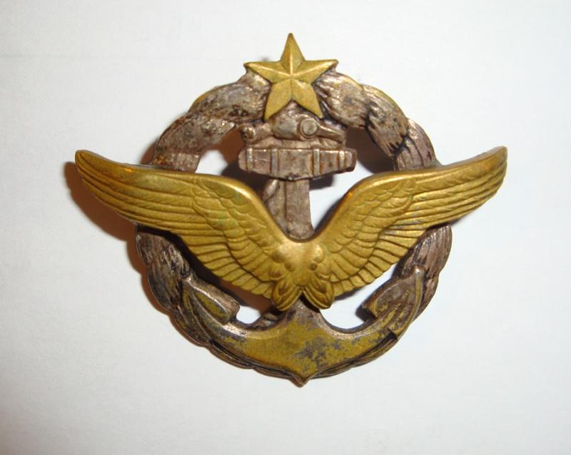 Brevets personnels navigants et pilotes de l'Aeronavale - Page 2 Macaro10