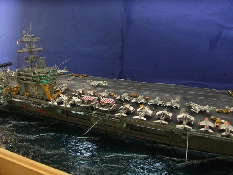 USS Nimitz CVN 68 de chez Trumpeter à l'échelle 1/350 13989310