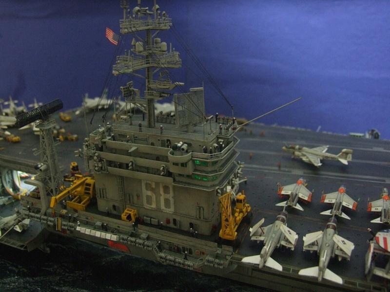 USS Nimitz CVN 68 de chez Trumpeter à l'échelle 1/350 13998010