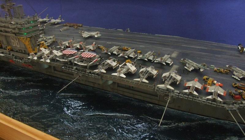 USS Nimitz CVN 68 de chez Trumpeter à l'échelle 1/350 14001310